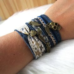 Diy Denim Bracelets, Fabric Bracelets, Diy Bracelets Easy, Bracelet Crafts, Fabric Jewelry, Handmade Bracelets, Jewelry Crafts, Jewelry Art, Handmade Jewelry
