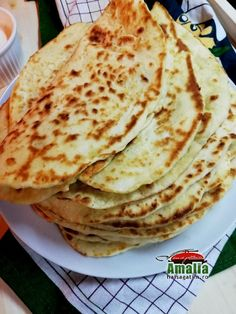 Turte cu brânză și iaurt Ethnic Recipes, Food, Essen, Meals, Yemek, Eten