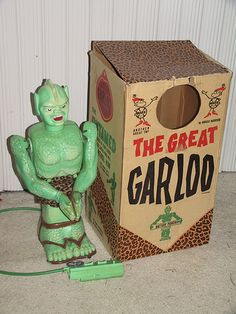 The Great Garloo, Marx Toys, 1961 This vintage toy was my brother's favorite Christmas gift in 1960s Toys, Retro Toys, Vintage Games, Vintage Dolls, Vintage Movies, Old Christmas Movies, Creepy Toys, Monster Toys, Monster Mash