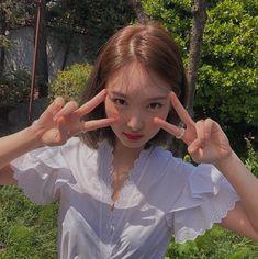 ★pin: ☽ig: ☾ im nayeon twice Blackpink Twice, Twice Kpop, Nayeon Twice, Instyle Magazine, Cosmopolitan Magazine, Im Nayeon, Dahyun, Ulzzang Girl, Me As A Girlfriend
