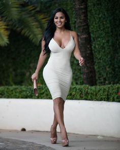 Dolly Castro - her skin care secrets at http://skincaretips.pro