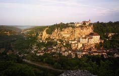 Overlooking the Alzou canyon, the medieval village of Rocamadour, Occitanie France La Dordogne, Rocamadour France, Beaux Villages, Going On A Trip, What A Wonderful World, Paris Travel, Wonders Of The World, Monument Valley, Paris Skyline