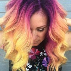Most attractive yellow hair colors with its beautiful shades and highlights is really awesome choice for women to make them look cute and extra gorgeous. You just have to go through from our list of best yellow and purple hair colors to polish your l Yellow Hair Color, Pretty Hair Color, Purple Hair, Purple Yellow, Bright Colored Hair, Cute Hair Colors, Turquoise Hair, Neon Hair, Violet Hair