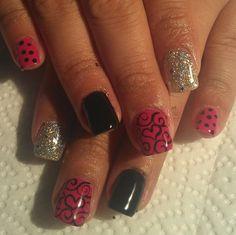 Acrylic nails by Mirna Quintana