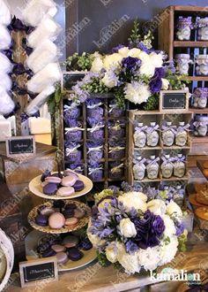 www.kamalion.com.mx - Mesa de Dulces / Candy Bar / Lila / Morado / Lilac / Purple / Vintage / Rustic Decor / Flores / Decoración / Baúl / Maletas / Evento / Lecheros / Quince años / algodones.