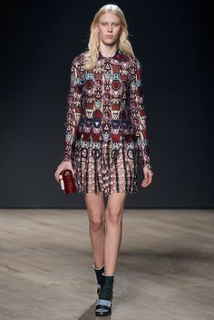 Mary Katrantzou Fall 2014 Ready-to-Wear Fashion Show - Juliana Schurig