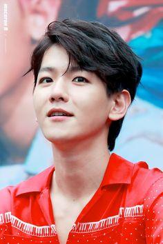 Baekhyun - 170813 Gwanghwamun HotTracks fansign  Credit: Macaron B. (핫트랙스 광화문점 팬사인회)