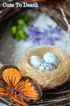 #dekoracje #domu #stołu na #Wielkanoc #wielkanocne #ozdoby #wianek #wieniec #ptasie #gniazdko  http://cutetodeath.blogspot.com/2015/03/udekoruj-dom-na-wielkanoc-czyli-jak.html
