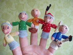 25 Toys & Animals Knitting