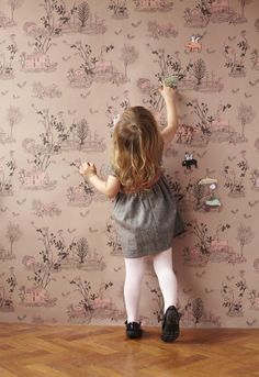 The Walls are Alive   Little Gatherer