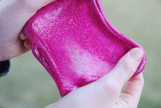 Are your kids into slime? It's the thing around here…kids are making (and selling) it like hotcakes. You can't find a bottle of glue on the shelves ANYWHERE (glue is the main ingredient in slime) and many kids have taken to… Slime Kit, Diy Slime, Galaxy Slime, Glitter Slime, Pink Glitter, Honey Soap, Slime Recipe, Baby Center, Simple Gifts