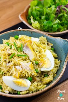 """So what can you do with Smoked Haddock? Slimming World Syn free Kedgeree of course! Let's put that saying """"if it swims it slims"""" to the test! Slimming Eats, Slimming World Recipes, Kedgeree Recipe, Healthy Dinner Recipes, Cooking Recipes, Healthy Meals, Yummy Recipes, Free Recipes, Healthy Food"""