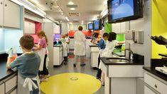 Science on Wheels - Seattle Children's Hospital Science Adventure Lab / NBBJ