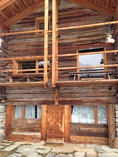 chalet project Cabin, Windows, House Styles, Projects, Home Decor, Barn, Log Projects, Blue Prints, Decoration Home