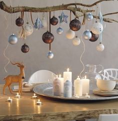 DIY Holiday Decorations - Christmas is coming and there is nothing better than to decorate your home with your family and loved ones! Scandinavian Christmas Decorations, Christmas Decorations For The Home, Xmas Decorations, Christmas Home, Christmas Crafts, Vintage Christmas, Holiday Decorating, Handmade Christmas, Christmas Ideas
