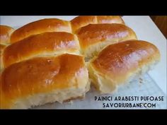Painici arabesti - chifle foarte pufoase cu lapte. O reteta simpla de chifle de casa, painici moi cu coaja subtire si miez pufos. Sunt cele mai bune painici Bread Baking, Hot Dog Buns, Bread Recipes, Biscuits, Recipies, Food And Drink, Homemade, Mai, Cooking