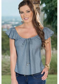Blusa Blouse Styles, Blouse Designs, Trendy Outfits, Cool Outfits, Sewing Blouses, Girls Blouse, Dress Patterns, Blouses For Women, Fashion Dresses