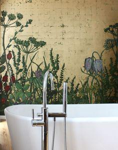 Goldwiese im Bad – Atelier Wandlungen History Museum, Beautiful Space, Clawfoot Bathtub, Bathroom Wall, Motifs, Natural History, Bed Room, Gold Foil, Ceilings