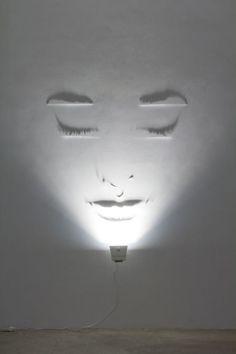 light art installation Sculpting the light (shadow art) By Fabrizio Corneli . You might also like Sources: Fabrizio Corneli Deco Design, Lamp Design, Lighting Design, Lighting Ideas, Club Lighting, Wall Lighting, Interior Lighting, Chandelier Lighting, Design Design