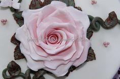 ipasticcidimanu: TORTE IN PASTA DI ZUCCHERO rosa in.pasta di.zucchero