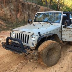 #importacaocarro - Pro Imports Motors importação de veículos para todo o Brasil - #muddymonday #jeep #jeepife #itsajeepthing #jeeppor…