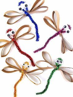 Cardboard roll shiny pipe cleaner dragonflies craft # summer … … – Famous Last Words Bug Crafts, Easy Crafts, Diy And Crafts, Arts And Crafts, Summer Crafts For Kids, Spring Crafts, Diy For Kids, Craft Activities, Preschool Crafts