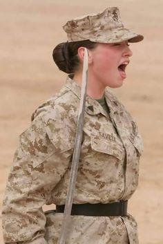 Brotherhood of Veterans: Warrior Women : USMC Female Marines, Female Soldier, Women Marines, Female Warriors, Marine Outfit, Us Marine Corps, Elisabeth, Military Girl, Military Women