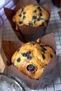 de gros muffins myrtille extra moelleux, hyper gourmand et facile. J'ai obtenu 12 bons et gros muffins comme ceux de Starbucks mais sans le crumble crunchy