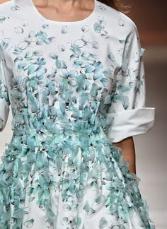 patternprints journal: PRINTS, PATTERNS AND SURFACE EFFECTS: BEAUTIFUL DETAILS FROM MILAN FASHION WEEK (WOMAN COLLECTIONS SPRING/SUMMER 2015) / 2