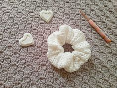 Crochet Simple Feminine Scrunchie by Selina Veronique Crochet