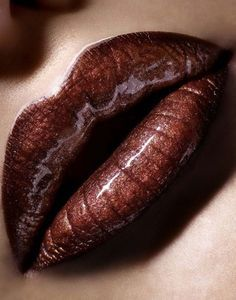 brown.quenalbertini: Brown Lipstick | Achados dali e daqui