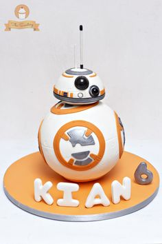 birthday cake for Kian. May the force be with us all! Star Trek Cake, Bolo Star Wars, Star Wars Bb8, Make Birthday Cake, Star Wars Birthday, Star Wars Party, Birthday Ideas, 7th Birthday, Bb8 Cake