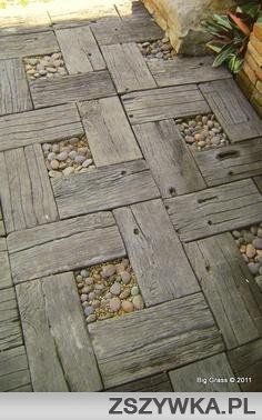 I'll bet my FIL has some wood I could use to make a walkway to the car! Reclaimed wood with stones garden walkway design Diy Pallet Projects, Garden Projects, Outdoor Projects, Wood Projects, Pallet Ideas, Outdoor Ideas, Outdoor Pallet, Rustic Outdoor, Bar Outdoor