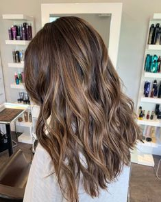 Long Wavy Ash-Brown Balayage - 20 Light Brown Hair Color Ideas for Your New Look - The Trending Hairstyle Curly Hair Styles, Medium Hair Styles, Brown Hair Balayage, Hair Highlights, Brown Hair Subtle Highlights, Subtle Balayage Brunette, Light Brunette Hair, Medium Brunette Hair, Dark Brunette