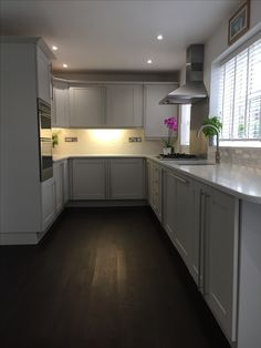 kitchen with gray cabinets Grey Shaker Kitchen, Grey Kitchen Cabinets, Kitchen Worktop, Old Kitchen, Kitchen Ideas, Little Greene Paint, Kitchen Utilities, Engineered Wood Floors, Grey Kitchens