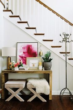 A Minimalist Bungalow With Scandinavian Home Decor Entryway styling ideas. bungalow with a Scandinavian twist. bungalow with a Scandinavian twist. European Home Decor, Unique Home Decor, Cheap Home Decor, Diy Home Decor, Modern Decor, Home Interior, Decor Interior Design, Interior Decorating, Luxury Interior