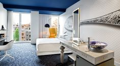 Large Canal view room - with beautiful views over the Prinsengracht canal