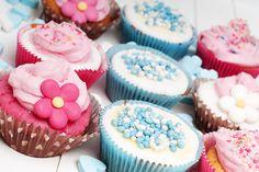 Wieder nicht geschafft... eine perfekte Mutter zu sein! Baby Shower Gender Reveal, Drip Cakes, Mini Cupcakes, Macarons, Desserts, Food, School, Kids, Postres