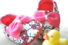 Hello Kitty // baby shoes, baby slippers, baby booties, soft sole shoes, soft-soled shoes, crib shoes on Etsy, $20.00