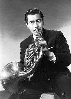 三船 敏郎 Toshirō Mifune Toshiro Mifune, Japanese Film, Japanese Men, Japanese Artists, Akira Film, Kurosawa Akira, Geisha, Kyoto, Samurai