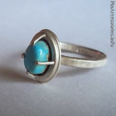 Love this ring :D