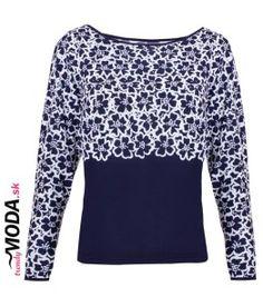 Štýlové modro-biele tričko s potlačou kvetov.-trendymoda.sk