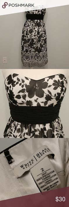 White House Black Market Floral Strapless Dress Adorable White House Black Market floral strapless dress Size 2 in excellent condition. No rips. No stains. Made of light fabric that gives it an airy, flowy feel. 100% polyester   Make me an offer! White House Black Market Dresses Strapless