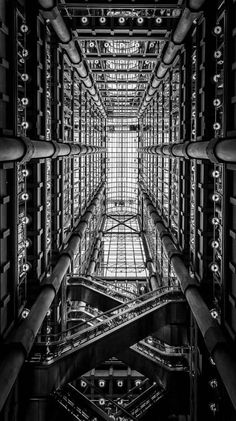 Lloyds Building looking up (B&W)