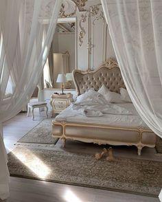 Dream Rooms, Dream Bedroom, Room Ideas Bedroom, Bedroom Decor, Royal Bedroom, Rich Girl Bedroom, Parisian Bedroom, White Bedroom, Aesthetic Room Decor