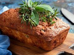 Homemade Rosemary Thyme Loaf that Won't Leave You Bloated (Gluten-Free Recipe) Dairy Free Recipes, Raw Food Recipes, Bread Recipes, Healthy Recipes, Gut Healing Diet, Good Food, Yummy Food, Gluten Free Baking, How To Make Bread