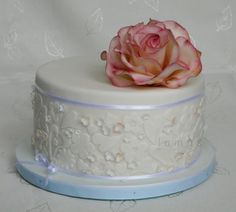 Rose - Cake by lamps