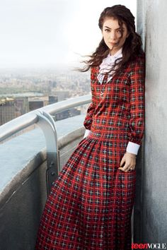 Lorde   #Modesty doesn't mean frumpy. #DressingWithDignity www.ColleenHammond.com www.TotalimageInstitute.com