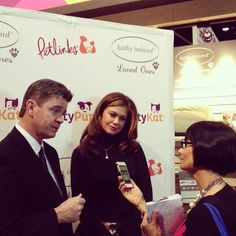 Jody Miller-Young of Bark and Swagger interviews Kevin Fick of Worldwise and Kathy Ireland #globalpetexpo