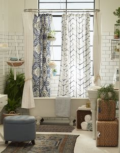 9 Bathroom Themes You Should Seriously Consider bohemian bathroom Bohemian Bathroom, Eclectic Bathroom, Diy Bathroom Decor, Bathroom Styling, Bathroom Interior, Modern Bathroom, Bathroom Ideas, Bohemian Shower Curtain, Bathroom Remodeling